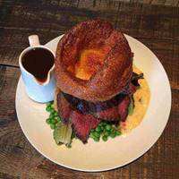 Sunday Roast at Brewski
