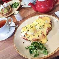 Eggs Benedict at Teacup Kitchen