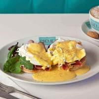 Eggs Benedict at Creme Cakes and Shakes