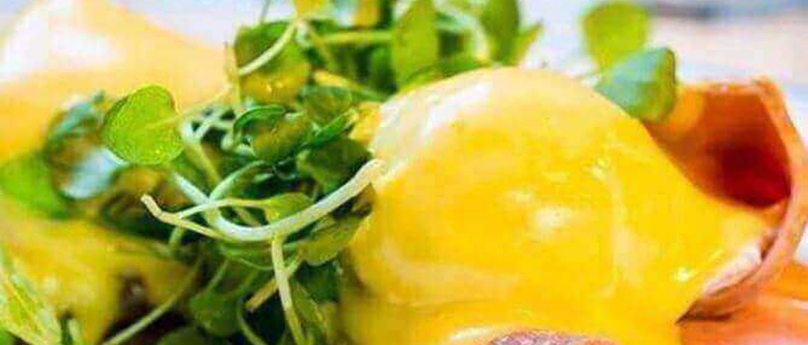 Hollandaise Eggs