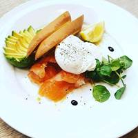 Smoked Salmon and Eggs at The Alma Wandsworth