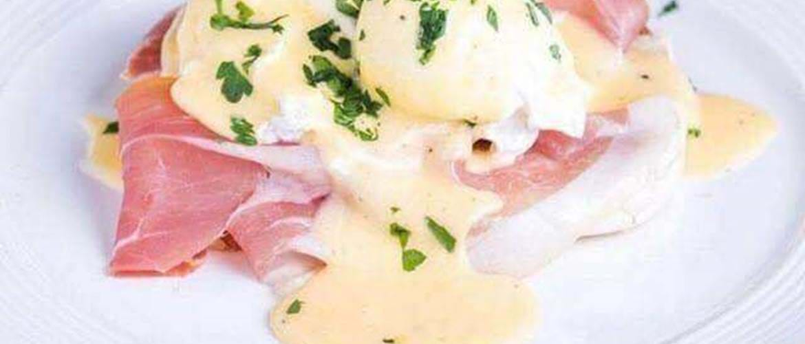 Eggs Benedict at 88 Walcot House in Bath